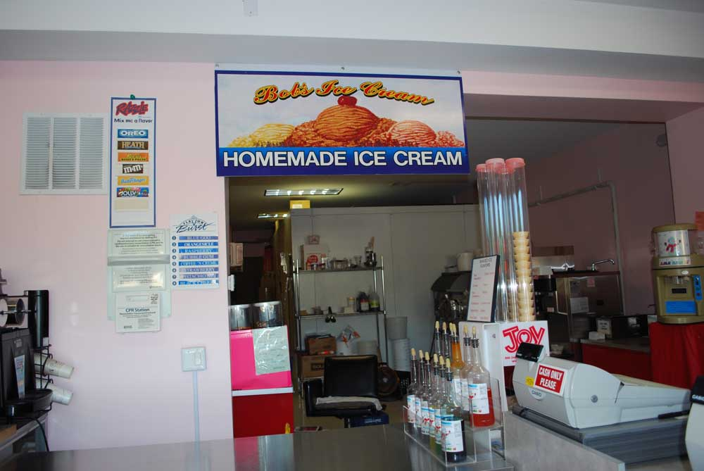 bobs homemade ice cream hanging sign