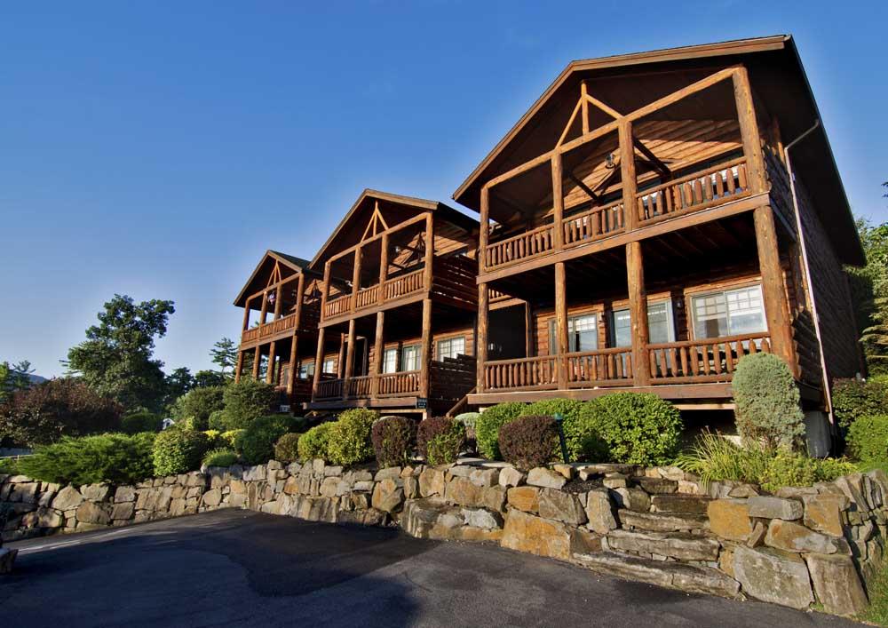 Cresthaven Lodges