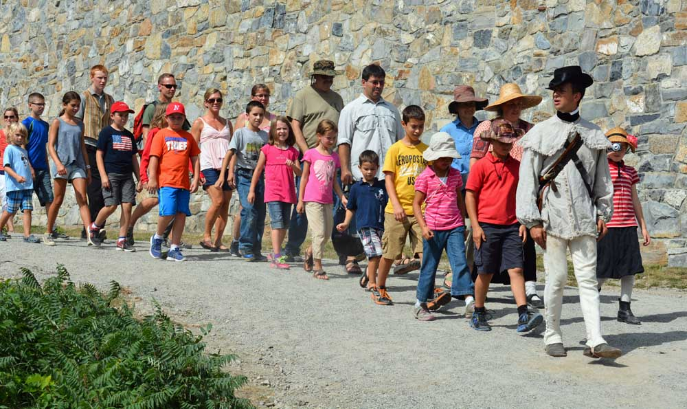 tour of children being led around the fort