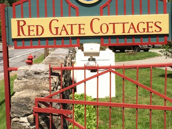 Red Gate Cottages - Bolton Landing Chamber of Commerce